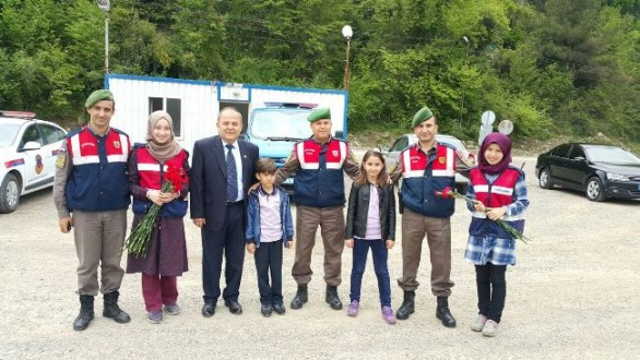 Ayancık'ta Karayolu Güvenliği Ve Trafik Haftası Etkinlikleri