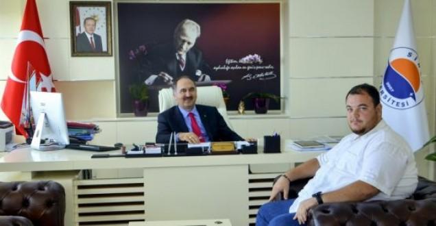 Hayaller Tiyatrosu'ndan Rektör Dalgın'a ziyaret