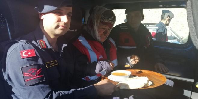Kaybolan şahıs jandarma tarafından Ayancıkta bulundu